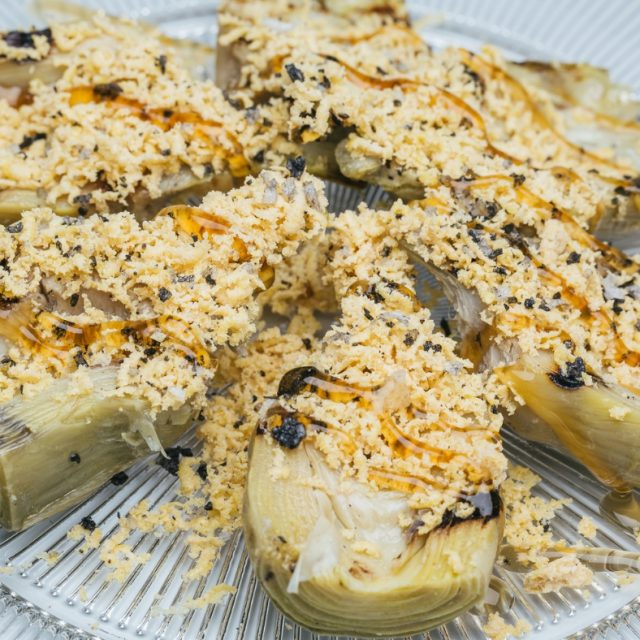 Artichokes with foie shaving and serry sauce