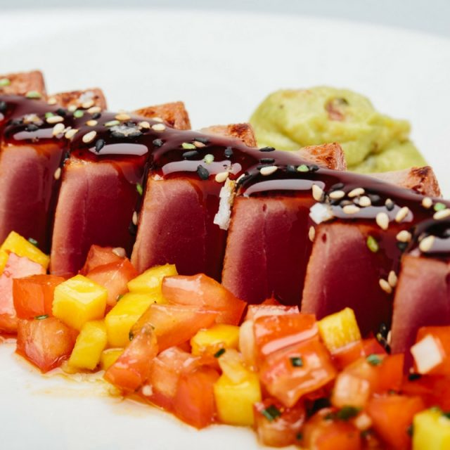 Tuna fish tataki with mango brunoisse and Ponzu sauce